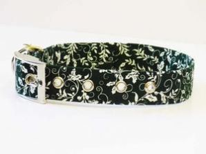 Mabel & Mu Buckle Dog Collar - Holly - from